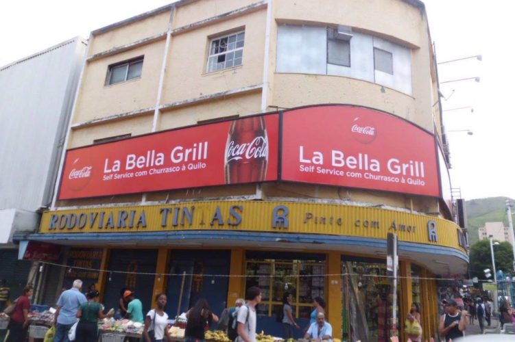 Letreiro de Fachada - La Bella Grill self service