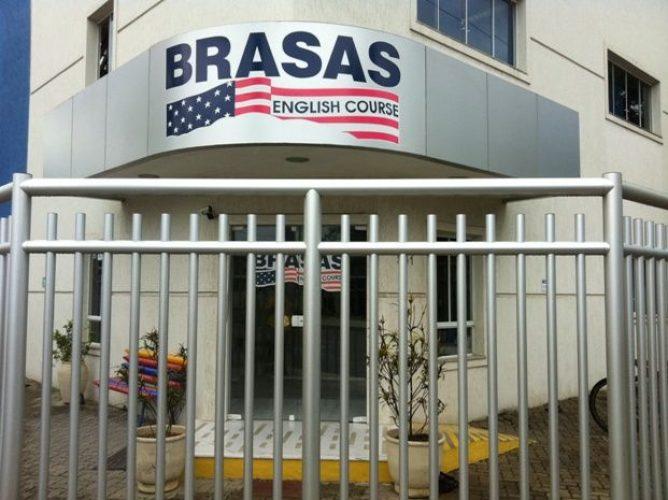 Letreiro de Fachada - Brasas English Course